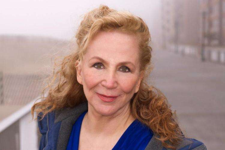 Rutanya Alda, Actress, Author, Writer, The Mommie Dearest Diaries Carol Ann Tells All by Rutanya Alda, Women In Horror Month 2018, WiHM9, WiHM, Interview, Voices From The Balcony, Horror, Horror Actress, Headshot, Rutanya Alda Image, HD, HD Image, AMITYVILLE II THE POSSESSION, THE DARK HALF, THE DEER HUNTER